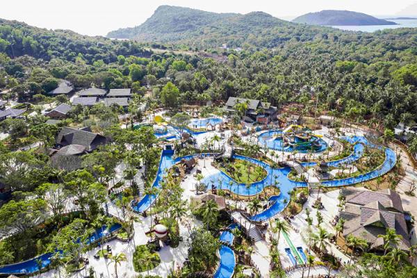 Aquatopia_waterpark_Vietnam_1.png