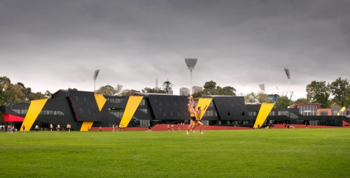 Richmond Football Club promotes female fitness in