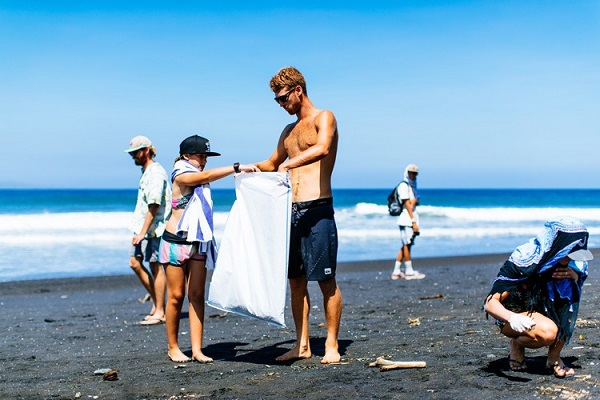World Surf League reveals plan to become carbon neutral and eliminate plastic use this year