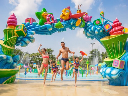 Chinese theme park guests demand convenience
