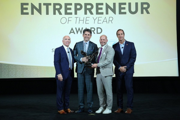 International Franchise Association names founders of Anytime Fitness as 'Entrepreneurs of the Year'