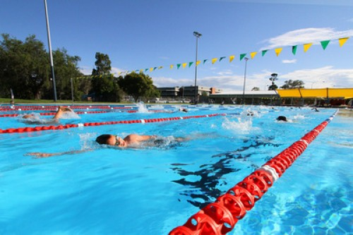 Council claims $4 million 'comparative saving' in new leases for Coffs Harbour pools