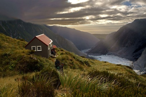 Damning review reveals failures of New Zealand's International Visitor Survey