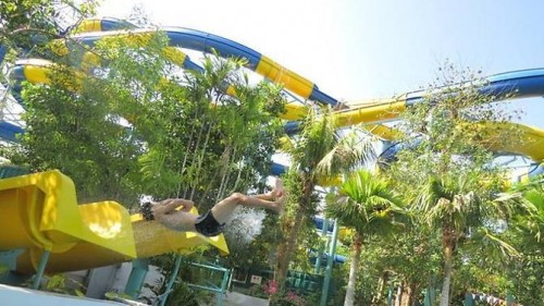 Malaysian theme park to launch world's longest waterslide