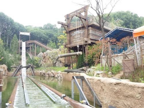 WhiteWater Attractions' new super Flume doubles ride capacity at Korea's largest theme park