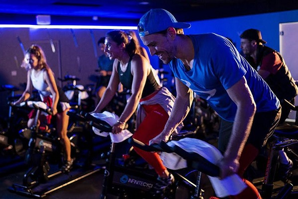 Fitness Australia says gyms can safely reopen within strict framework
