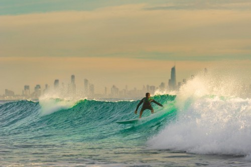 Pay-as-you-surf artificial reef for the Gold Coast?
