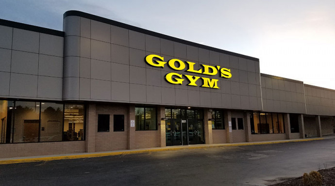 Gold's Gym International owner puts brand up for sale