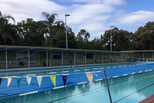 Leakage leads to closure of ageing Sydney swimming pool