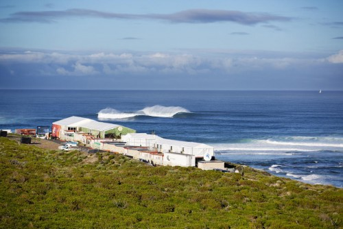 Shark attacks prompt cancellation of Margaret River Pro surfing event