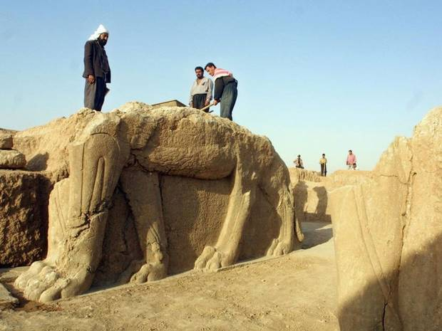 Islamic State militants bulldoze ancient Assyrian city Nimrud