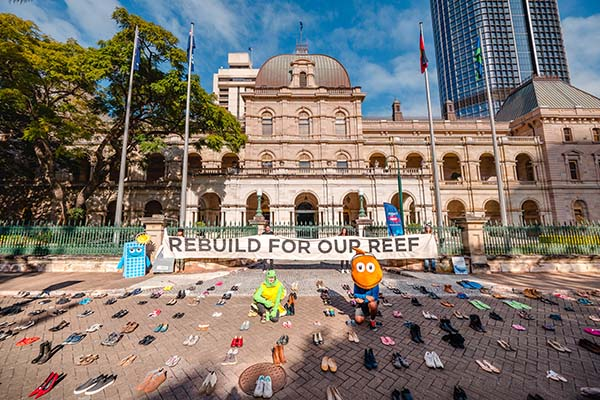 Great Barrier Reef campaigners deliver message of Reef-safe recovery