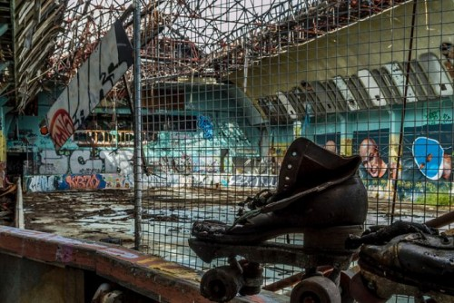 Cinema chains battle over redevelopment of former Brisbane roller skate arena