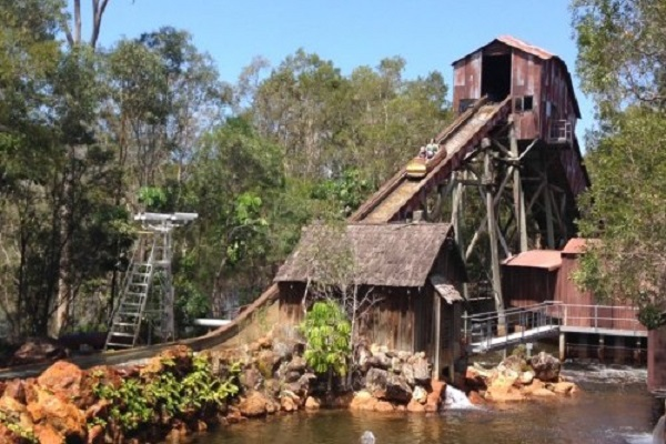 Dreamworld permanently closes Rocky Hollow Log Ride