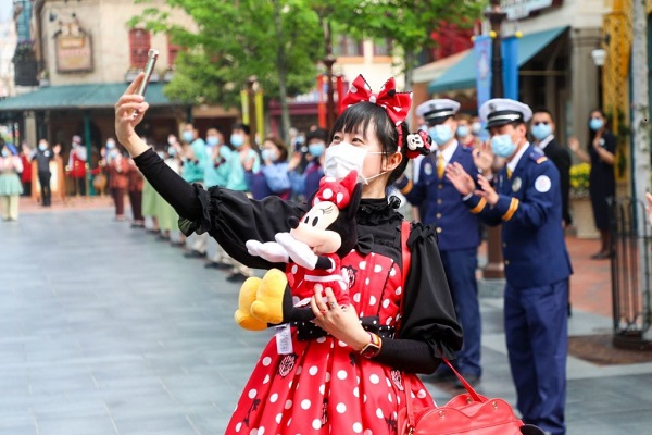 Shanghai Disneyland trial enhancement of facial recognition technology