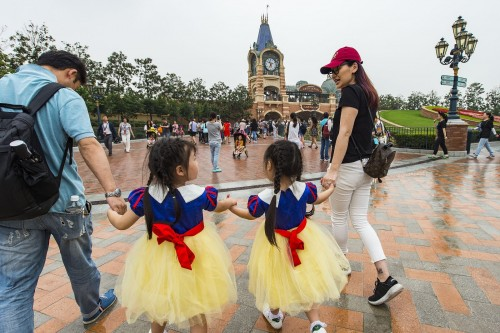 Chinese Government looks to slow theme park development boom