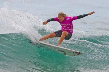 Forum assesses needs of women in surf riding