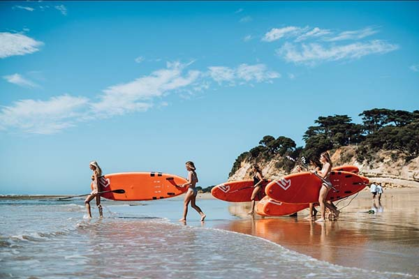 Victorian Stand Up Paddle boarding program helps teenage girls stay active