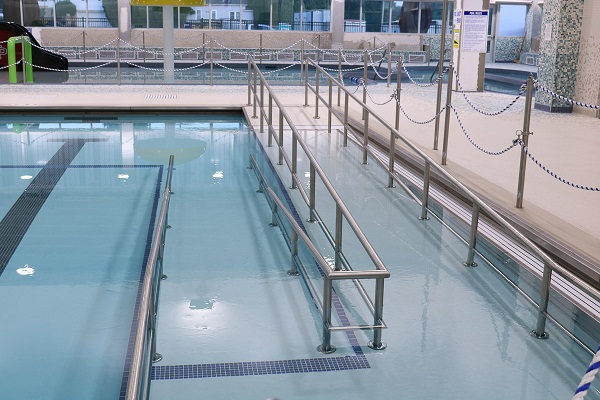 Life Saving Victoria voices concerns over aquatic centre ramps