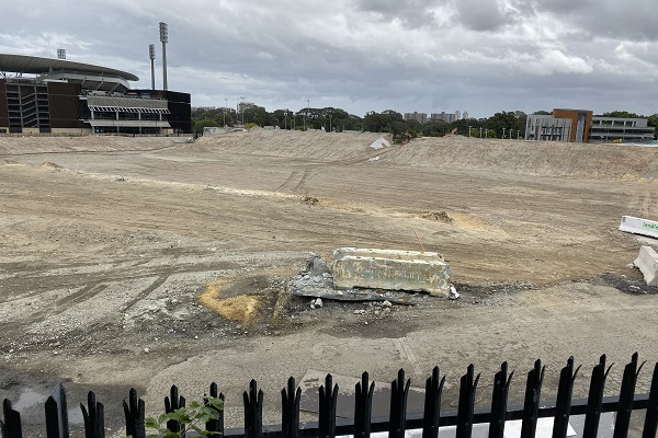 Builder warns of delivery delay with new Sydney Football Stadium