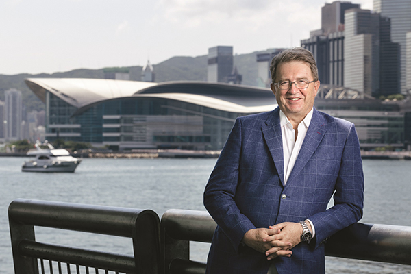 HKECIA welcomes appointment of two successive UFI presidents from Hong Kong