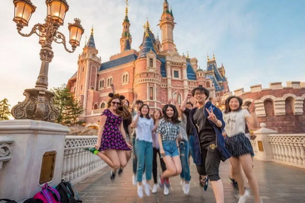 Attendances at Disney's theme parks beats the world's top sporting leagues