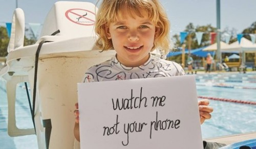 German lifeguards warn that child drownings linked to parents' smartphone 'fixation'