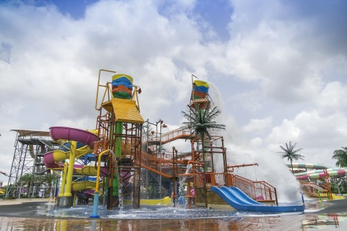 Village Roadshow and Chinese partners open Wet'n'Wild waterpark in Hainan