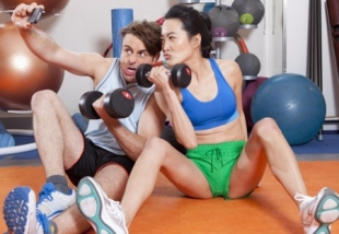Selfies in gyms: a quarter of people take them, 39% want them banned