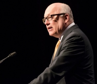 Arts Minister Brandis to have final say on National Program for Excellence in the Arts funding