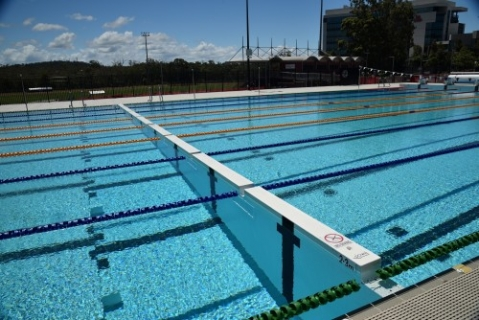 S r smith completes swimwall installation at griffith Griffith university gold coast swimming pool